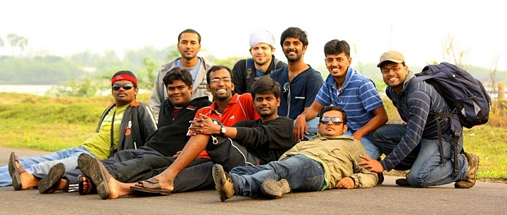 Group Pic on the way to Vedaranyam