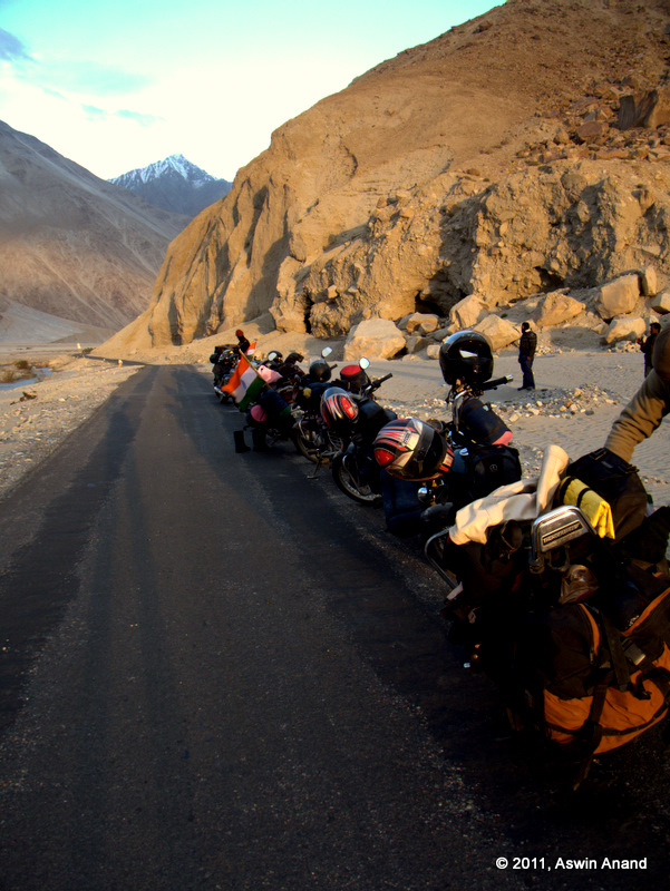 Road on the way to Nubra Valley